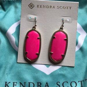 Elle Earrings in Neon Pink